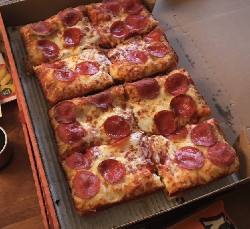 Review: Little Caesars Stuffed Crust DEEP!DEEP!™ Dish Pizza